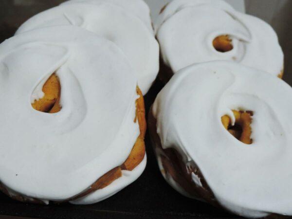 Roscos blancos de yema